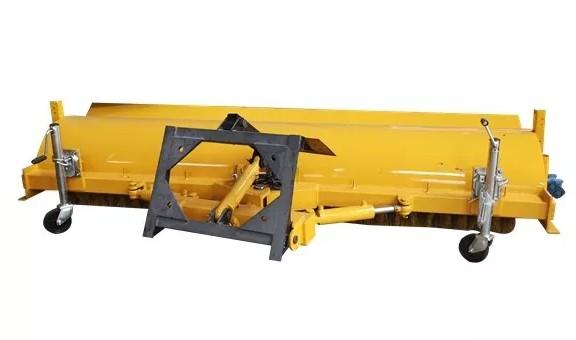 3.3米多功能滚扫清雪车滚扫