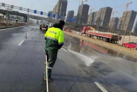丽水洒水车下雨天也洒水