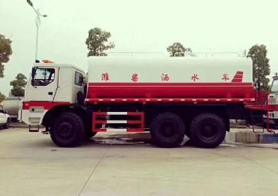 40吨-50吨潍柴发动机矿用洒水车图片